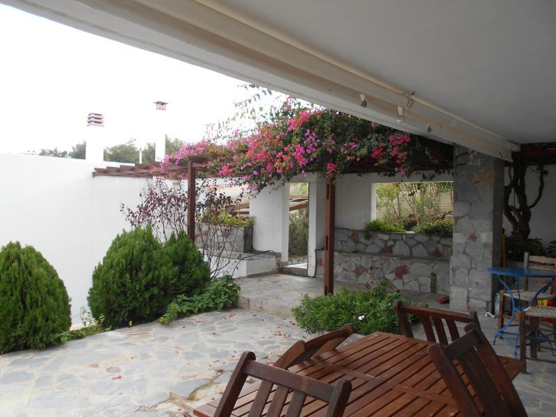 Periyali 4, vacation rental in Lavrio