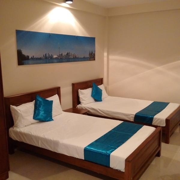 Deluxe Suite by Cozy Suites, holiday rental in Ratmalana