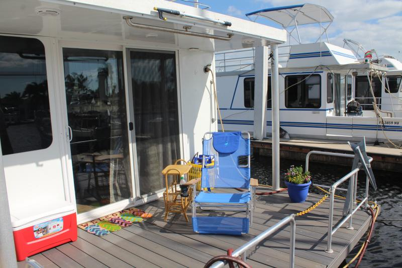 Captain's Cruiser front deck