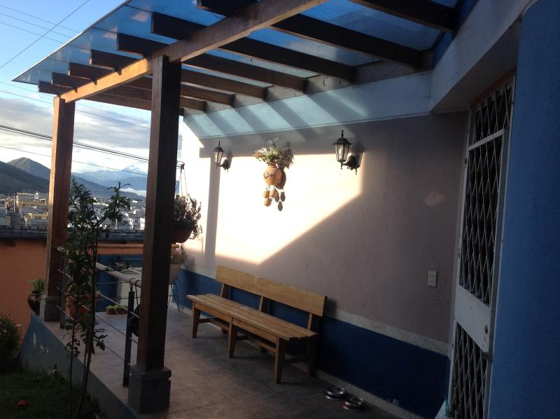 Balcón con áreas verdes