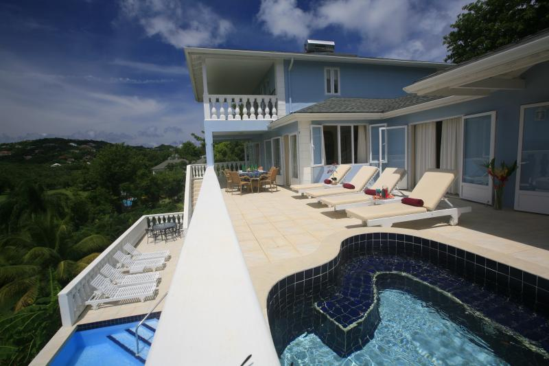 Blue Moon, Saint Lucia - Ocean View, private pools, holiday rental in Gros Islet Quarter