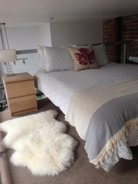 extremely comfortable queen sized bed in the loft...