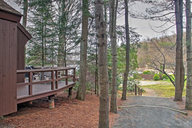 Enjoy a relaxing vacation in this serene Grantham vacation rental condo!