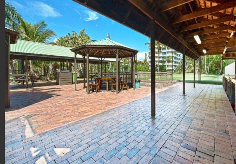 Lots of BBQs and outdoor eating areas.