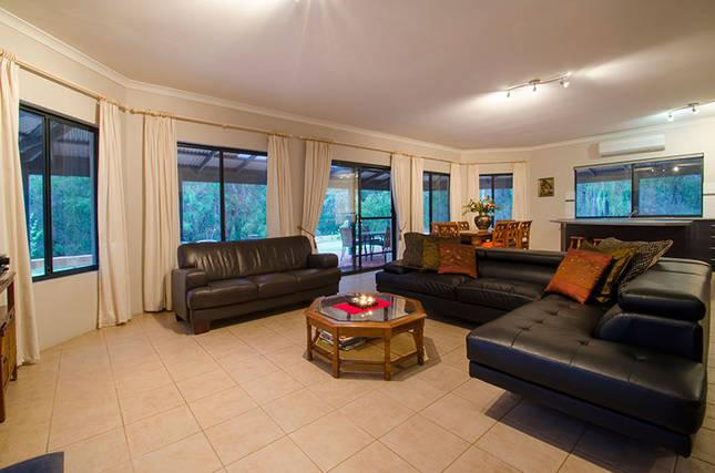 Large open plan living area Watch kangaroos graze from your lounge