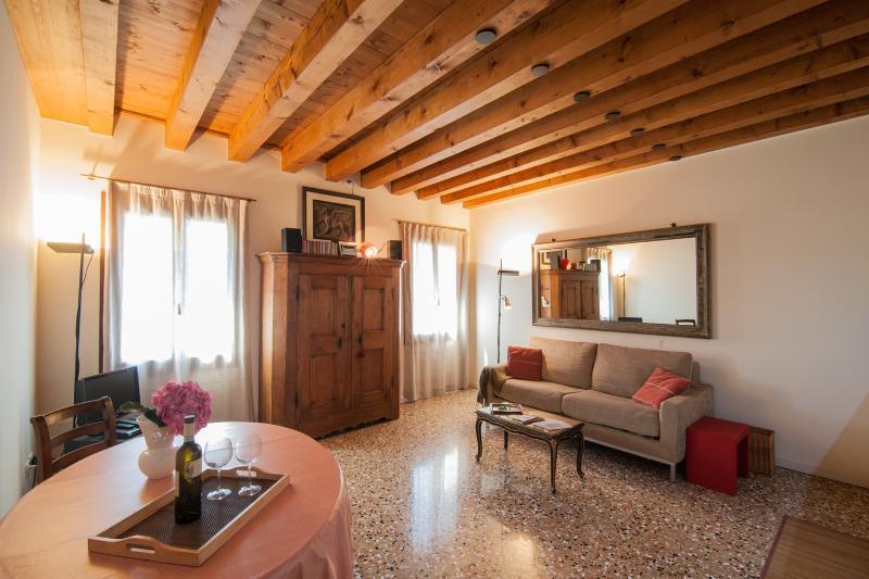 Loft casa aurora, aluguéis de temporada em Cidade de Veneza
