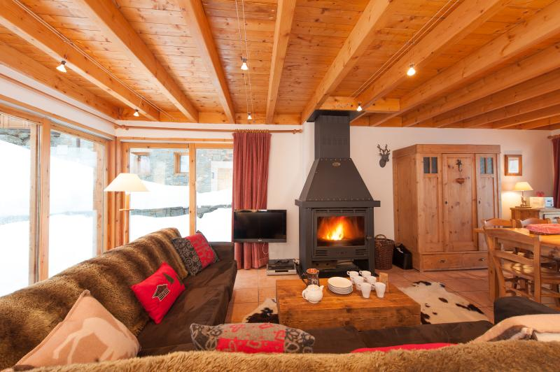 Chalet C'est La vie for up to 8 guests.