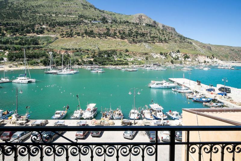 Il Mare Dentro, holiday rental in Castellammare del Golfo
