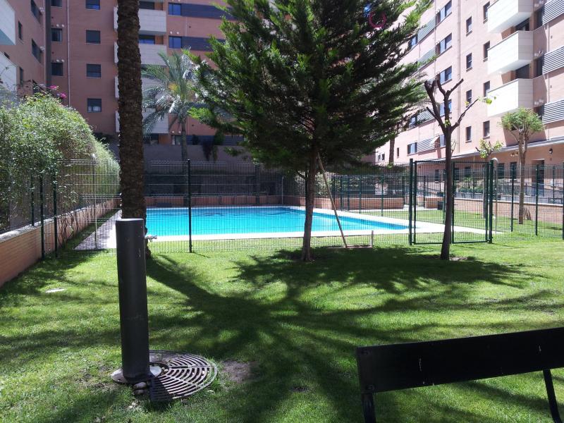 Recinto cerrado piscinas y area infantil