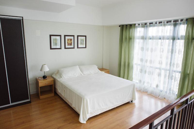 Eton Parkview Greenbelt, Makati, holiday rental in Makati