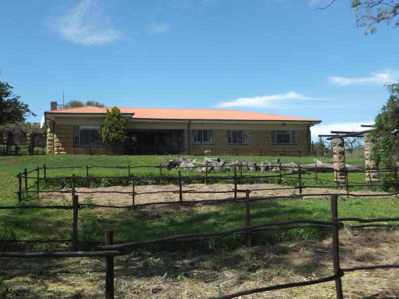 Punjabi Guest Lodge & African Tours, vacation rental in Free State