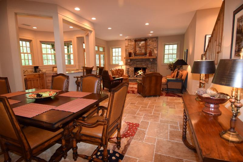 DINING ROOM & GAME ROOM