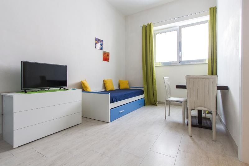 Nuovo Bilocale Scoglio dell'Otto, vacation rental in Melendugno