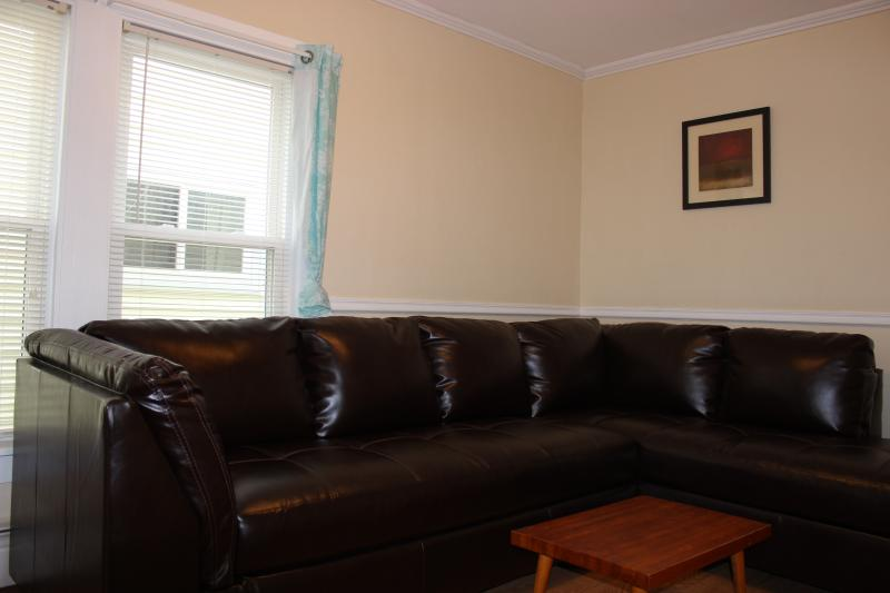 Living room (view1)