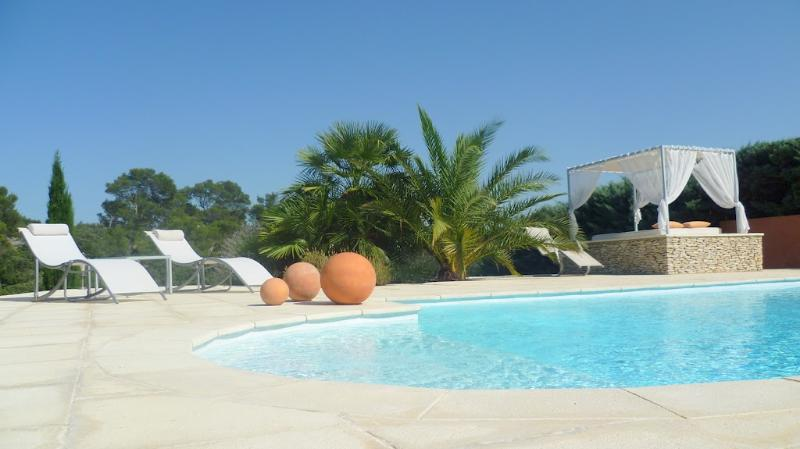 mazet, holiday rental in Nimes
