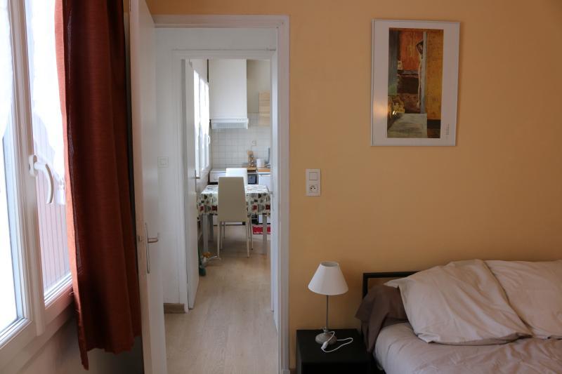 charmant T2  rez de jardin quartier calme proche c, vacation rental in Narbonne