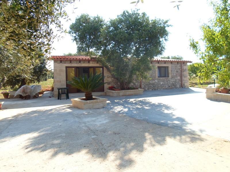 villa + depandance a 3 km dal mare 15/16 p.letto, holiday rental in Marina Serra