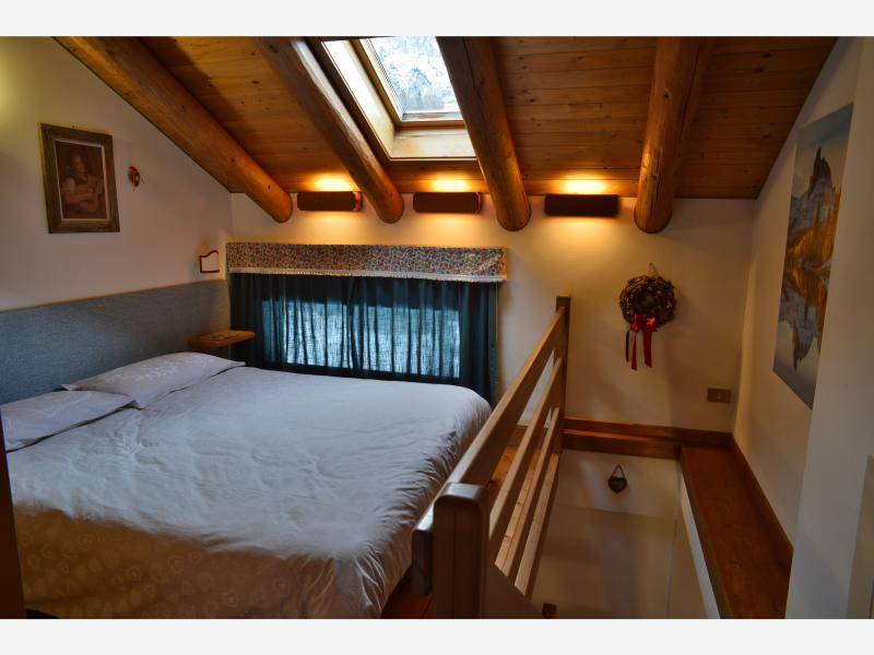 camera, finestra e lucernario / bedroom, window & skylight / Schlafzimmer, Fenster und Dachfenster