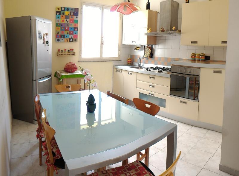 Appartamento in villa di 3 vani vicino al mare, location de vacances à Mascali