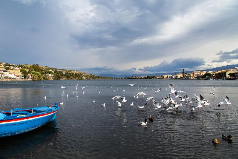 Nuovissimo appartamento con bella vista sul Lago., vakantiewoning in Villa San Giovanni