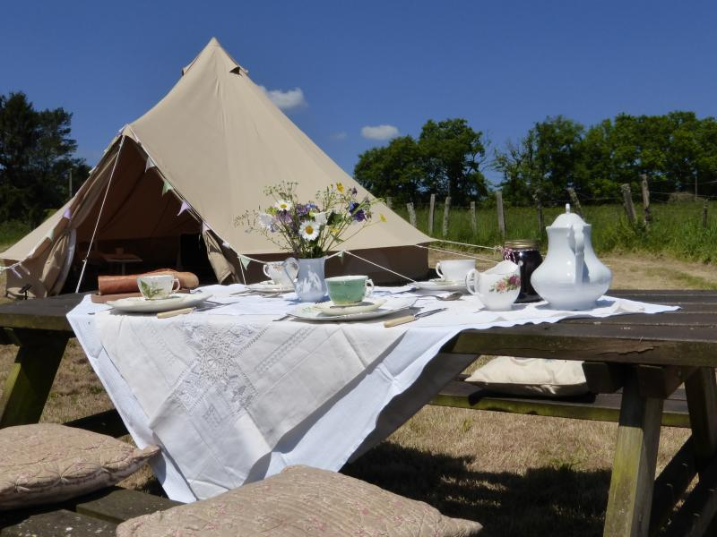 Al-fresco dining (plus indoor dining if you need it, in the private cabin)