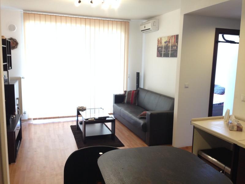 New elegant 2 room apartment in Obor area, aluguéis de temporada em Snagov