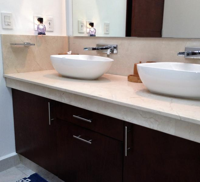 Master bath double sinks and large vanity