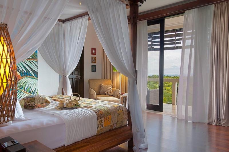 Modern design Villa Sky House. Stunning views from hill-top location!, holiday rental in Jimbaran