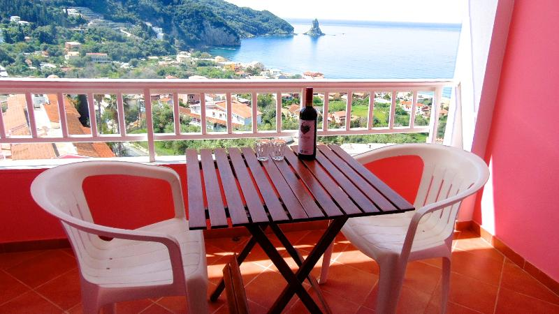 Seaview studio Room  390m from the beach, holiday rental in Agios Gordios
