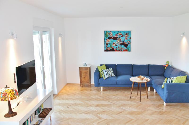 LIVING ROOM: sleeps 2 - Super King bed (180x200 cm) + closet for things + big sofa + Wi-Fi SMART /