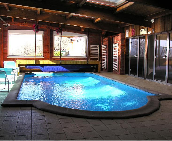 Gîte Regisland Orchidée Alsace, piscine intérieure, 15 pers, holiday rental in Husseren-Wesserling