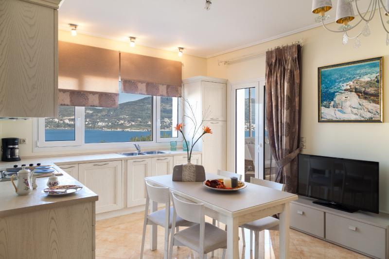 GRAND VIEW VILLAS (Villa Kalipso), holiday rental in Paleokastro