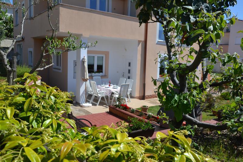 Apartment Zara, holiday rental in Vinkuran