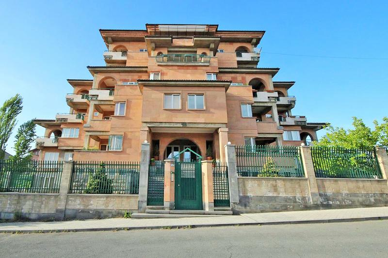 Exclusively nice & lovely apartment in Yerevan, casa vacanza a Kasakh