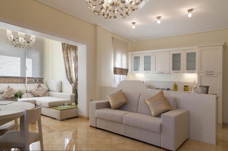 GRAND VIEW VILLAS (Villa Nefeli), holiday rental in Paleokastro