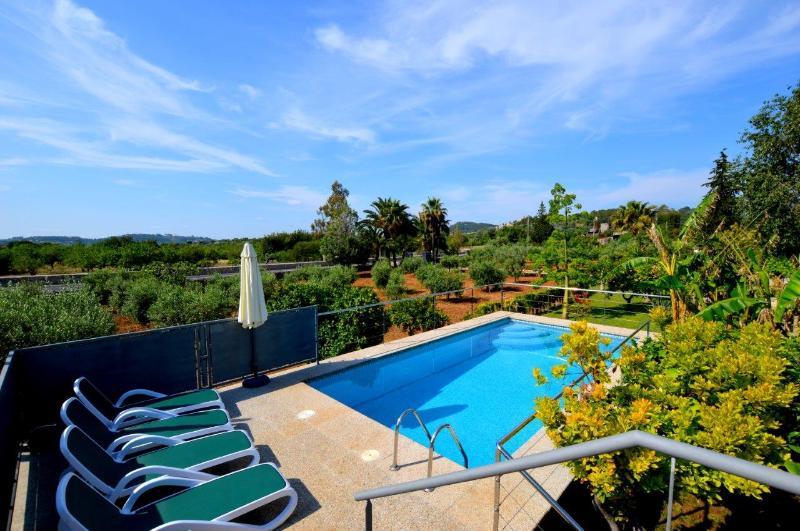 Finca con piscina en Selva, vacation rental in Selva