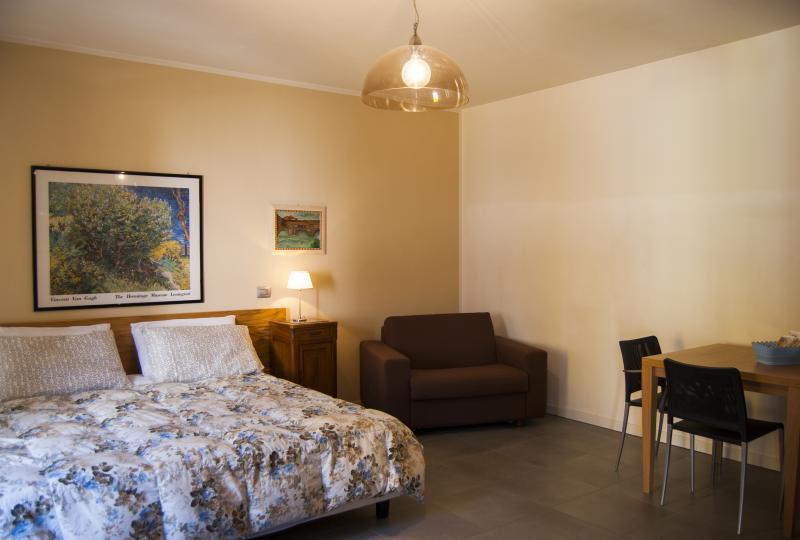 MONOLOCALE Villa Seicento, holiday rental in Zandobbio