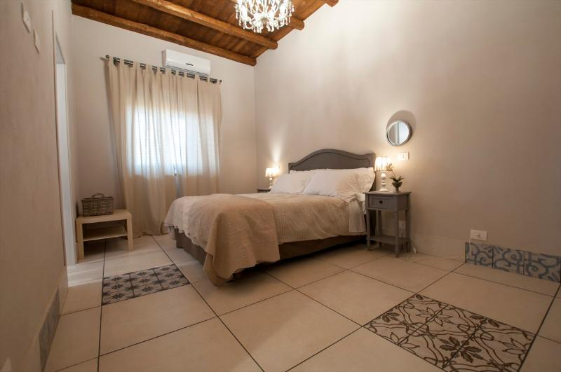 Le case del duca - Casa do suli, vacation rental in Raffadali