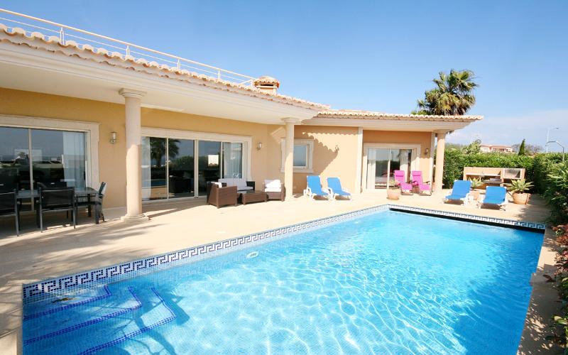 Pool exterior of Villa