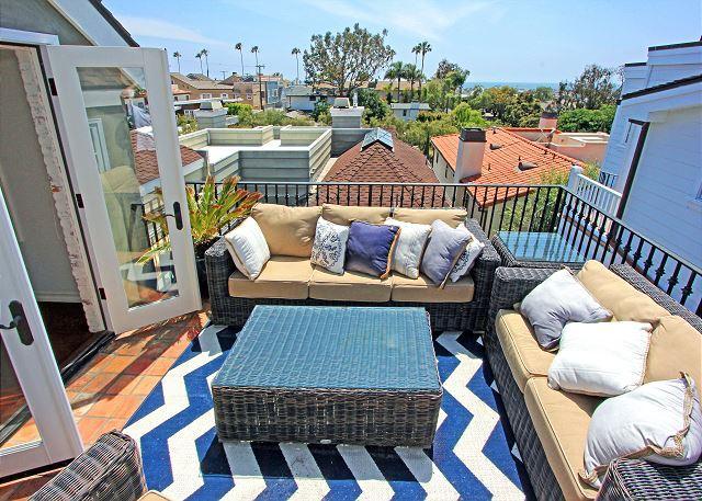 Corona Del Mar Beach Rental With Gorgeous Water Views With 1 Car Parking, aluguéis de temporada em Corona del Mar