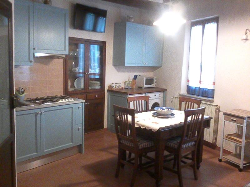 Appartamento 3 posti a Chianciano Terme, holiday rental in Chianciano Terme
