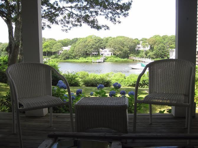 Incredible Water Views, Close to Beaches, holiday rental in Waquoit