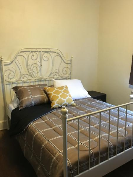 Room for Rent, holiday rental in Temple Hills
