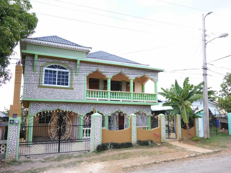Thriller Villa, holiday rental in Westmoreland Parish