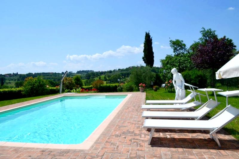 Toscana: Appartamento 8px + piscina, vacation rental in Badicorte