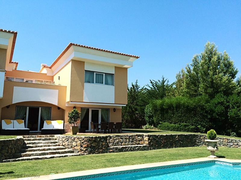 Paradise Villas I - 4 Bedroom, holiday rental in Malveira da Serra