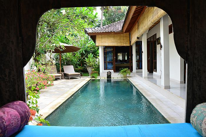 The pool, the bale and whole villa are the perfect package.