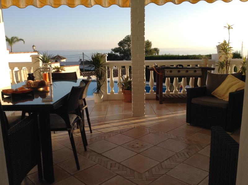 Terrasse avant avec vue magnifique !!!