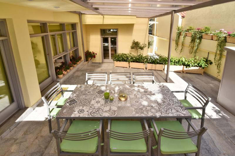 Villa Olivia Philopappou, holiday rental in Athens
