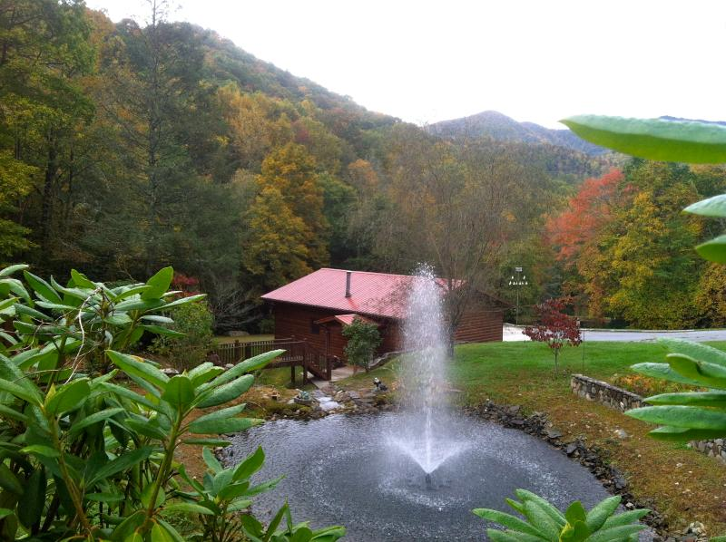 Breakfast on your deck viewing tranquil upper pond and majestic Smokey Mountains